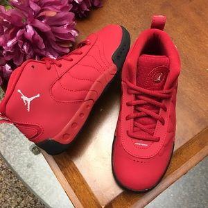 New boys Jordan jump man pro sneakers